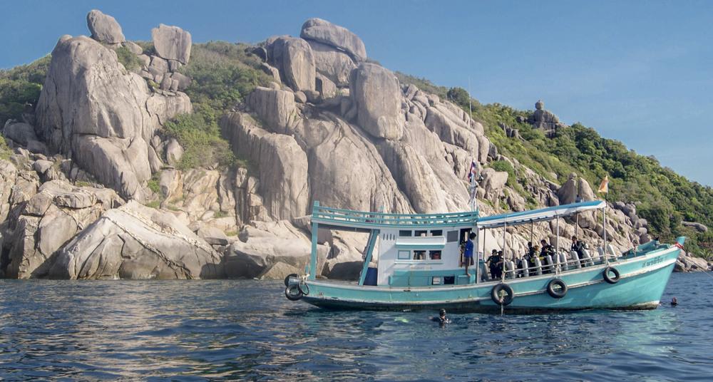 boatscuba2.JPG
