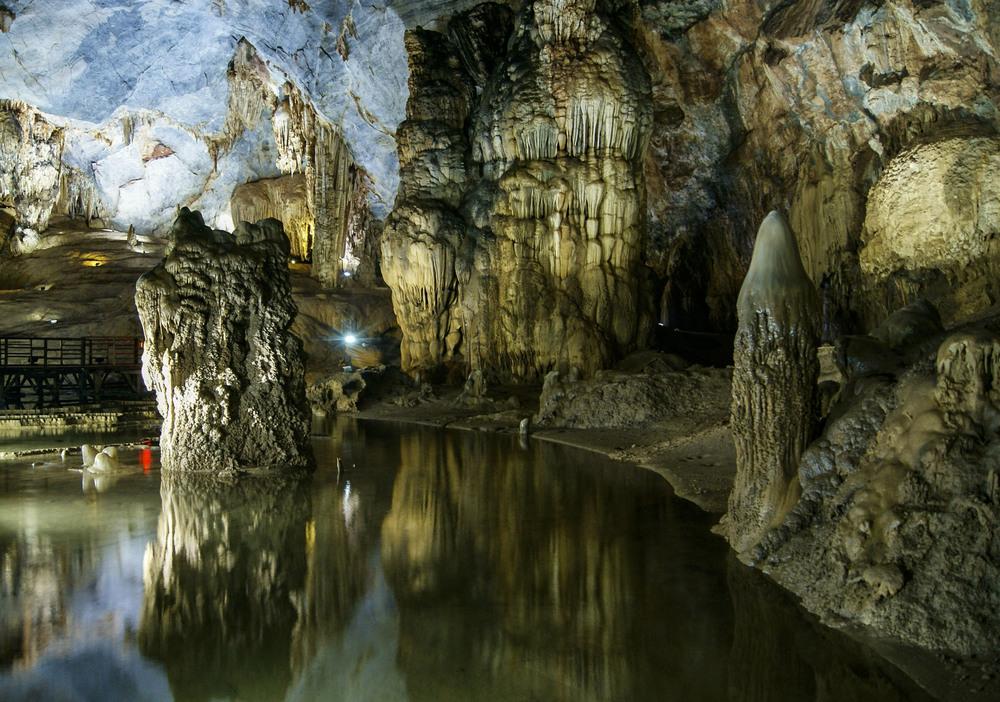 cavesreflect_1.JPG