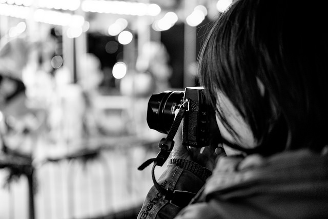Wendy with her X-E1  F2.0/ISO 3200
