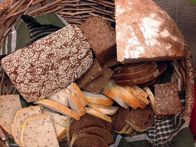 rye-bread-basket.JPG