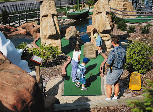 skokie-adventure-golf.jpeg
