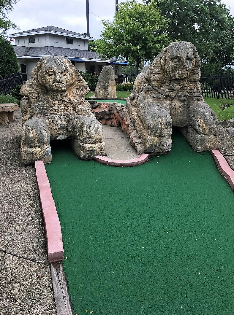 Mini-golf-course-4.jpg