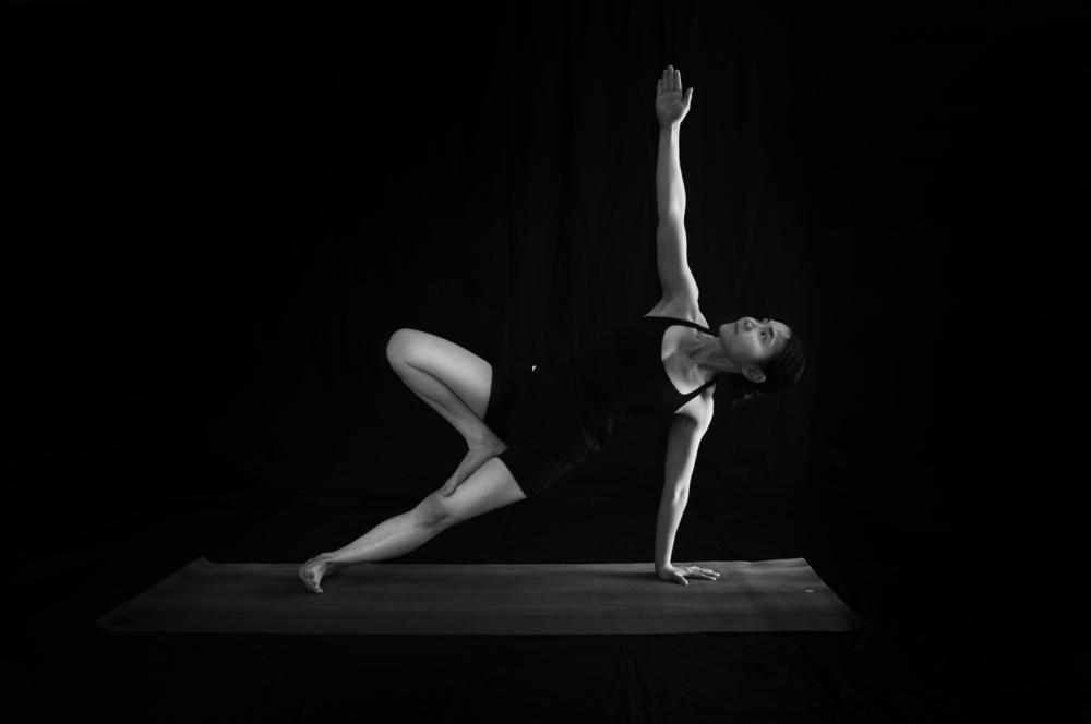 Side Plank Pose (Var) 侧棒式