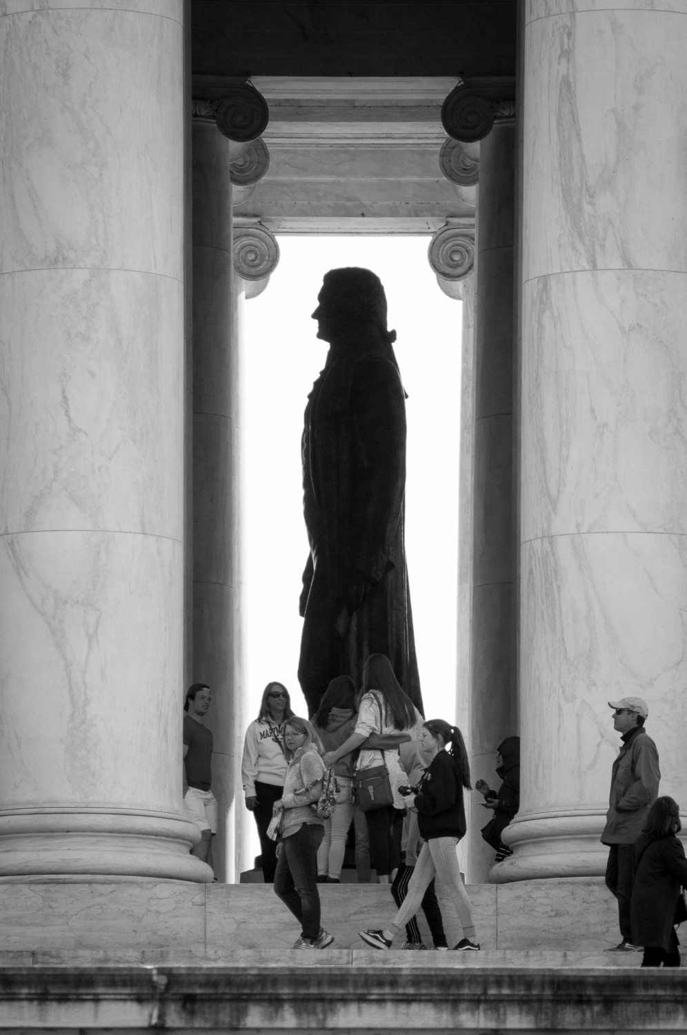 Black and white photo of the Thomas Jefferson Memorial.
