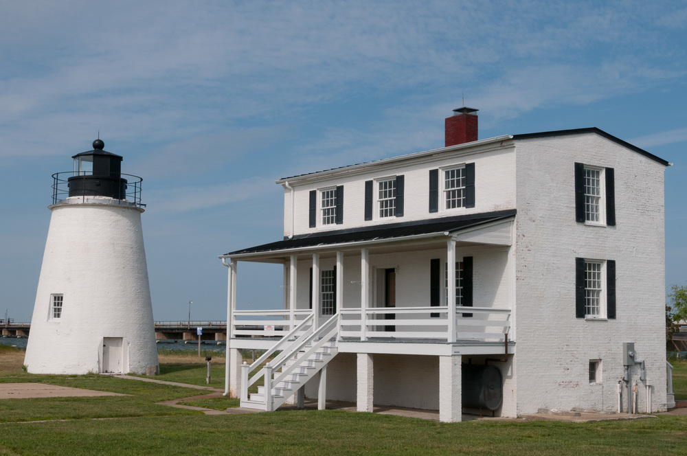 Color image of Piney Point Lighthouse in St. Mary's County, Maryland