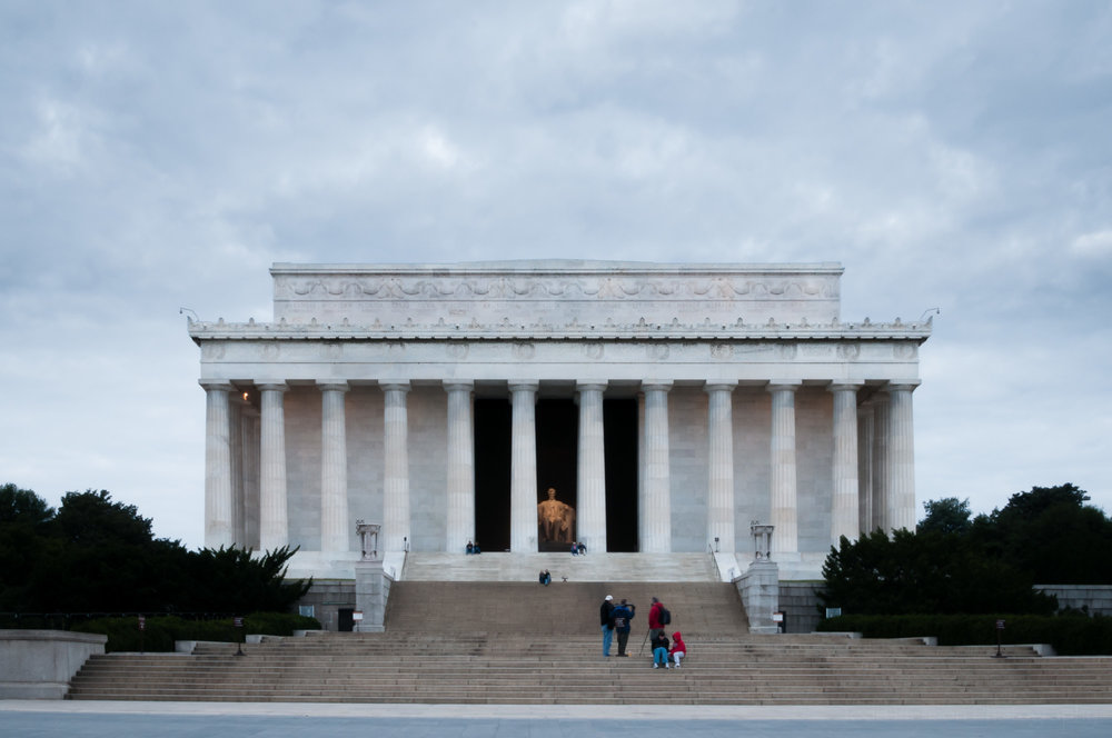 Lincoln Memorial before sunrise.