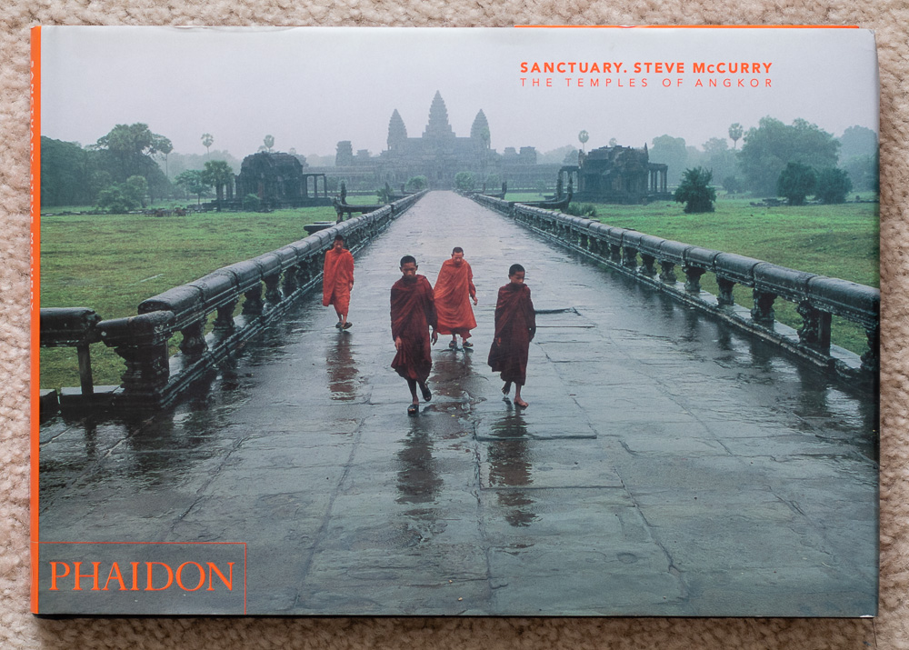 Front cover of  Sanctuary. Steve McCurry: The Temples of Angkor