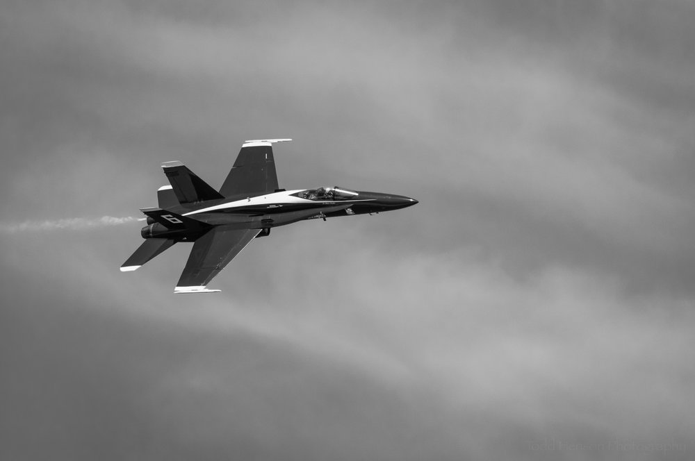 Blue Angels Flyby #1: USN F/A-18 flyby at an angle.