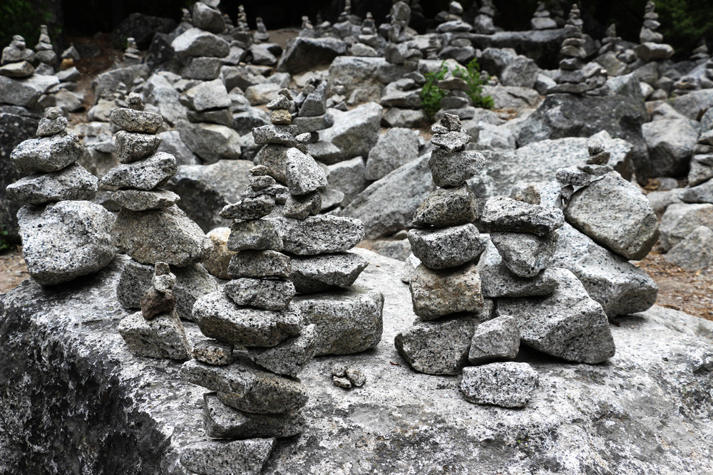 Tucked away on one of the hiking trails was a spot where tourists took part in the tradition of stone stacking. There were hundreds of these all along the path and you had to be very careful walking through it without accidentally knocking anything over.