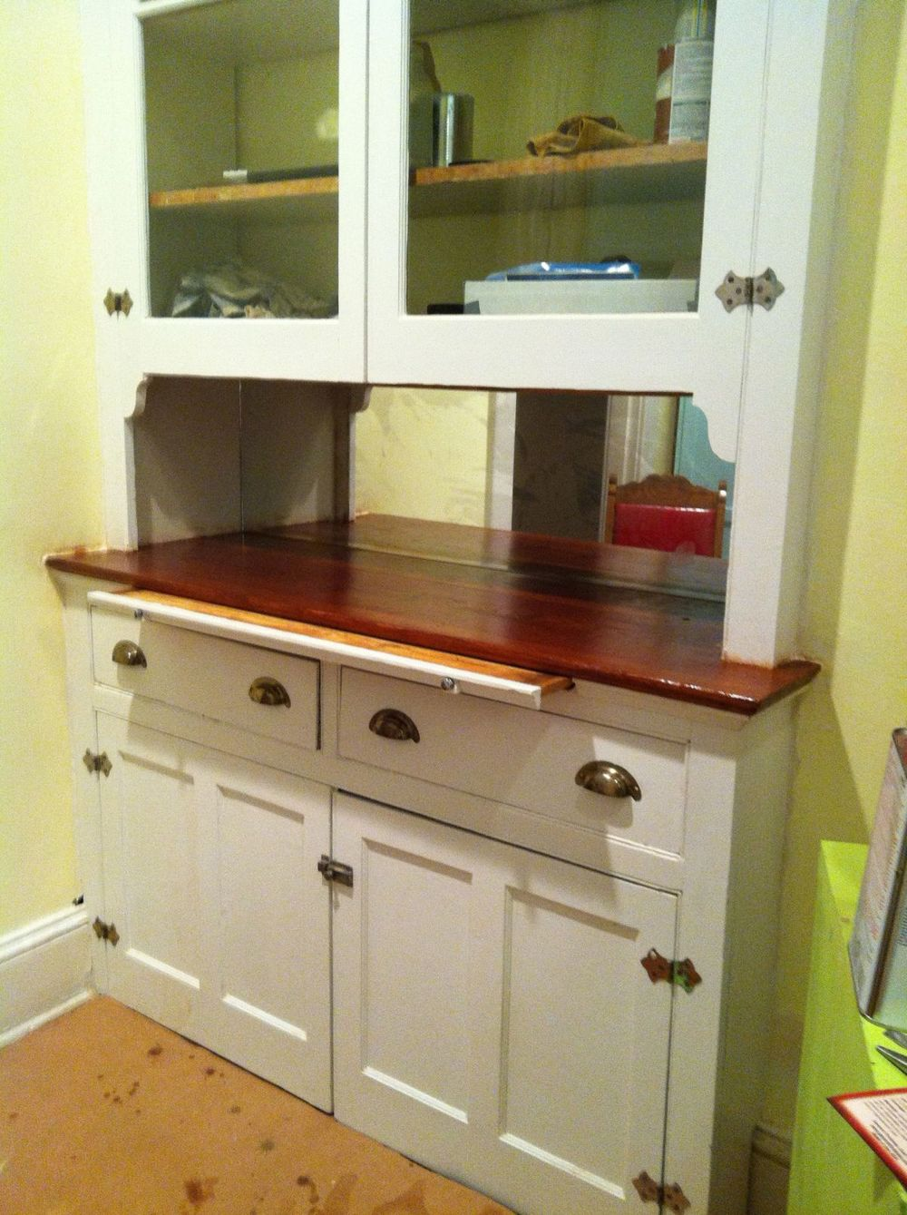 Kitchen Cabinet with pull-out work surface
