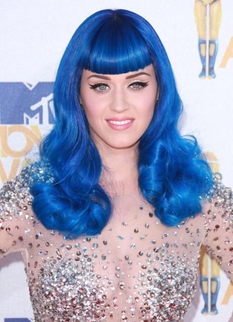 katy-perry-blue-hair-long-hairstyle-with-bangs-mtv-movie-awards.jpg