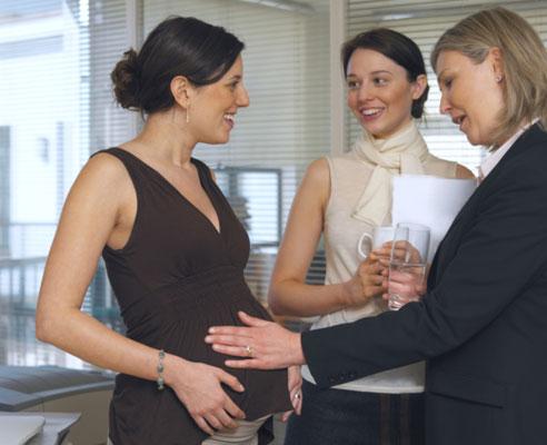 10-things-never-say-pregnant-woman-01-af.jpg