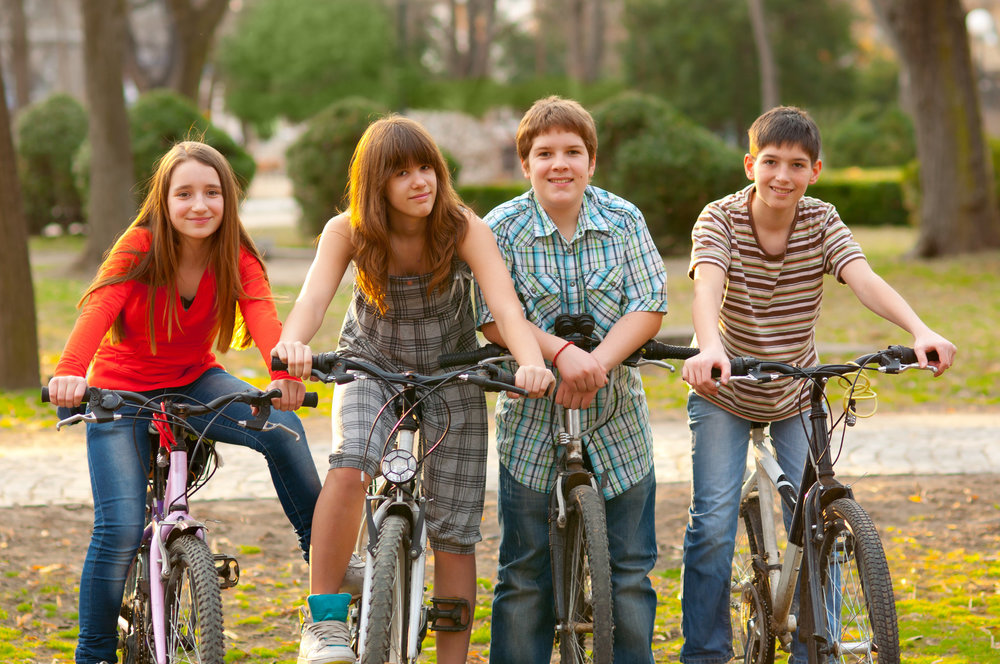 teens-on-bikes-art-9159db849d02ec07.jpg