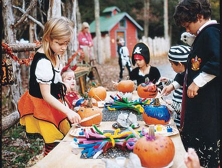 Ideas for dads hosting a halloween party for kids every little thing birth and beyond 360 - Childrens halloween decorations ...