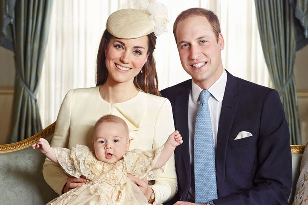 The-official-portrait-for-the-christening-of-Prince-George-Alexander-Louis-of-Cambridge-photographed-in-The-Morning-2516405.jpg