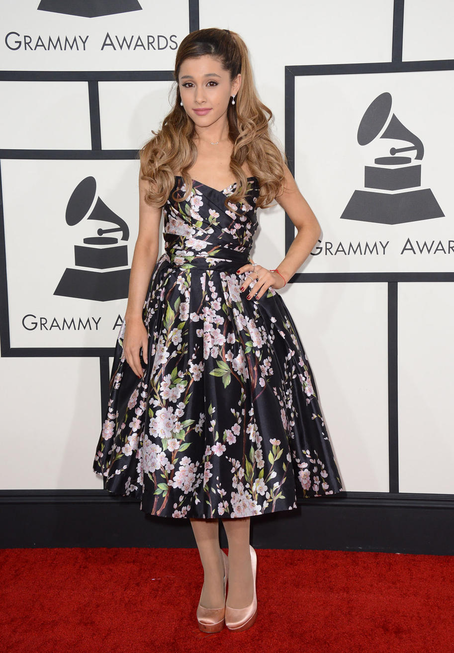 Ariana Grande in Dolce & Gabbana, Effy and Custom Aldo