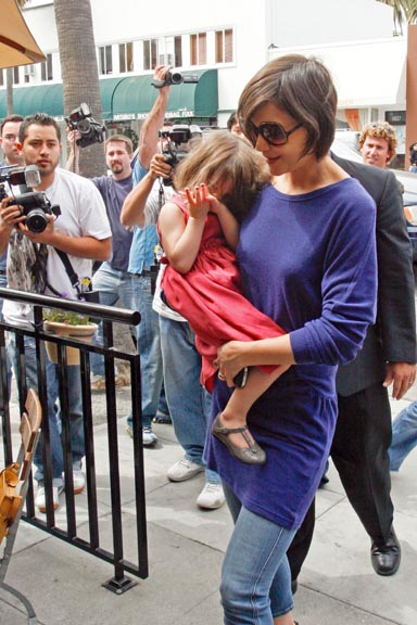 paparazzi-shooting-celebrity-kids-and-parents-10.jpg