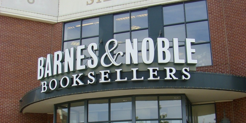 o-BARNES-AND-NOBLE-STORE-facebook.jpg