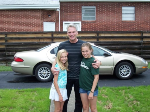 Brad Smith   CEO of Intuit, with his two daughters