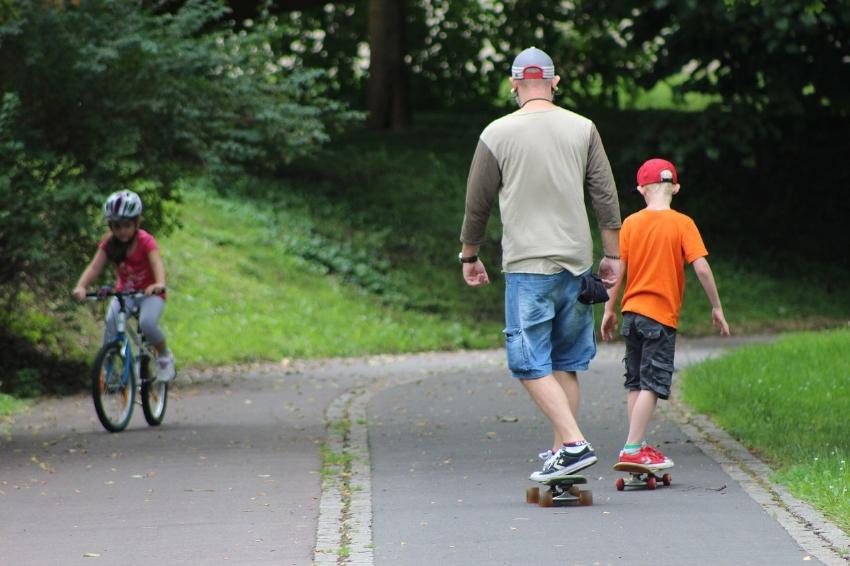 kid-skateboarding.jpg