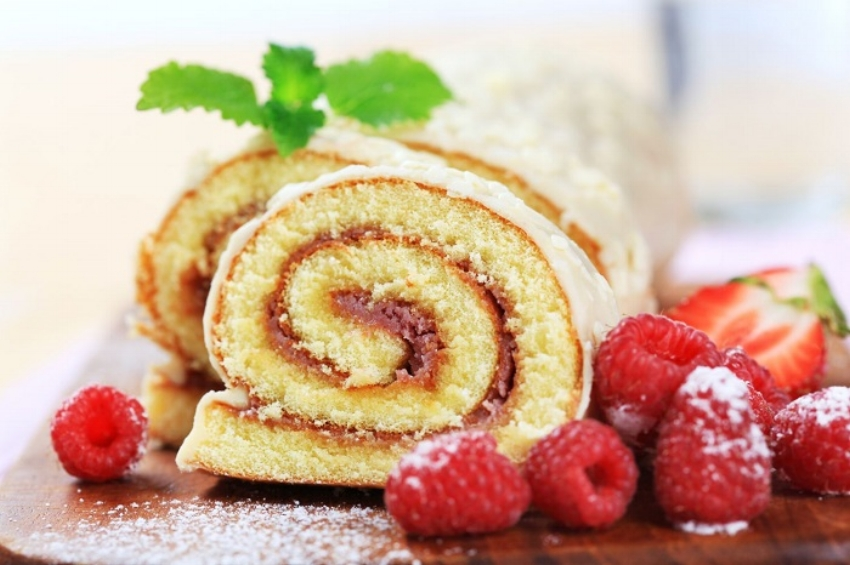 1_Swiss roll on plate.jpg