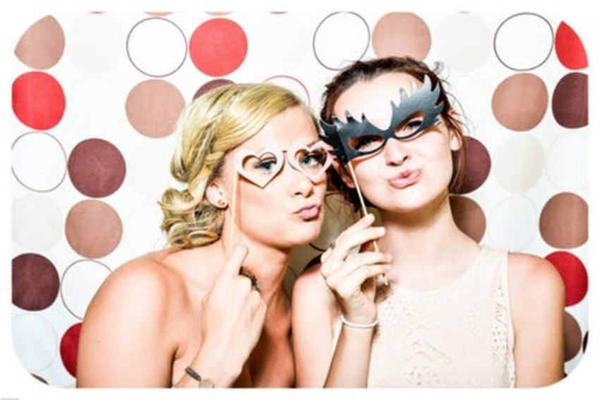 photo-booth-wedding-party-girls-160420 (1).jpeg