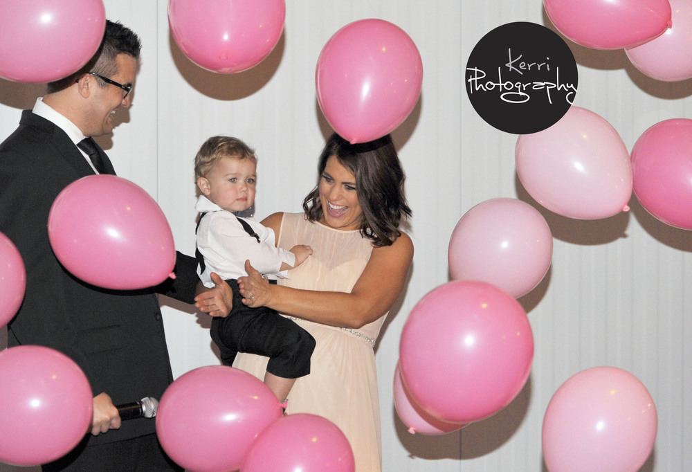 gender-reveal-ideas-balloon-drop-jasper-winery-desmoines-iowa