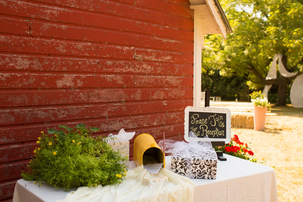 iowa-venue-fort-dodge-first-presbyterian-church-reception-rustic-country-lace-yellow-billy-balls-teal-vintage-outdoor-ceremony-fabric-tree-hay-bales-mailbox-card-box