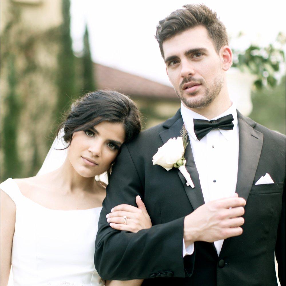 florida-wedding-backyard-ceremony-la-casa-toscana-fort-myers-florida-black-tie-bowtie-wedding-dress-white-roses-outdoor-wedding-photo