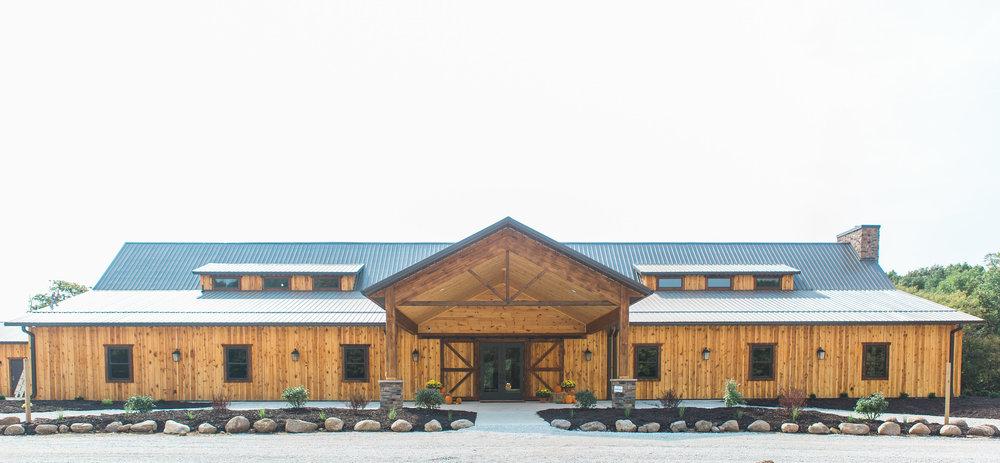 country-lane-lodge-adel-iowa-wedding-venue