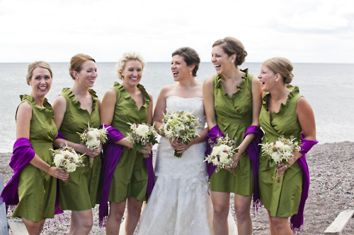 lake-superior-minnesota-wedding-green-bridesmaids-dresses-bridesmaids-bouquets-bridal-party-photo-ideas