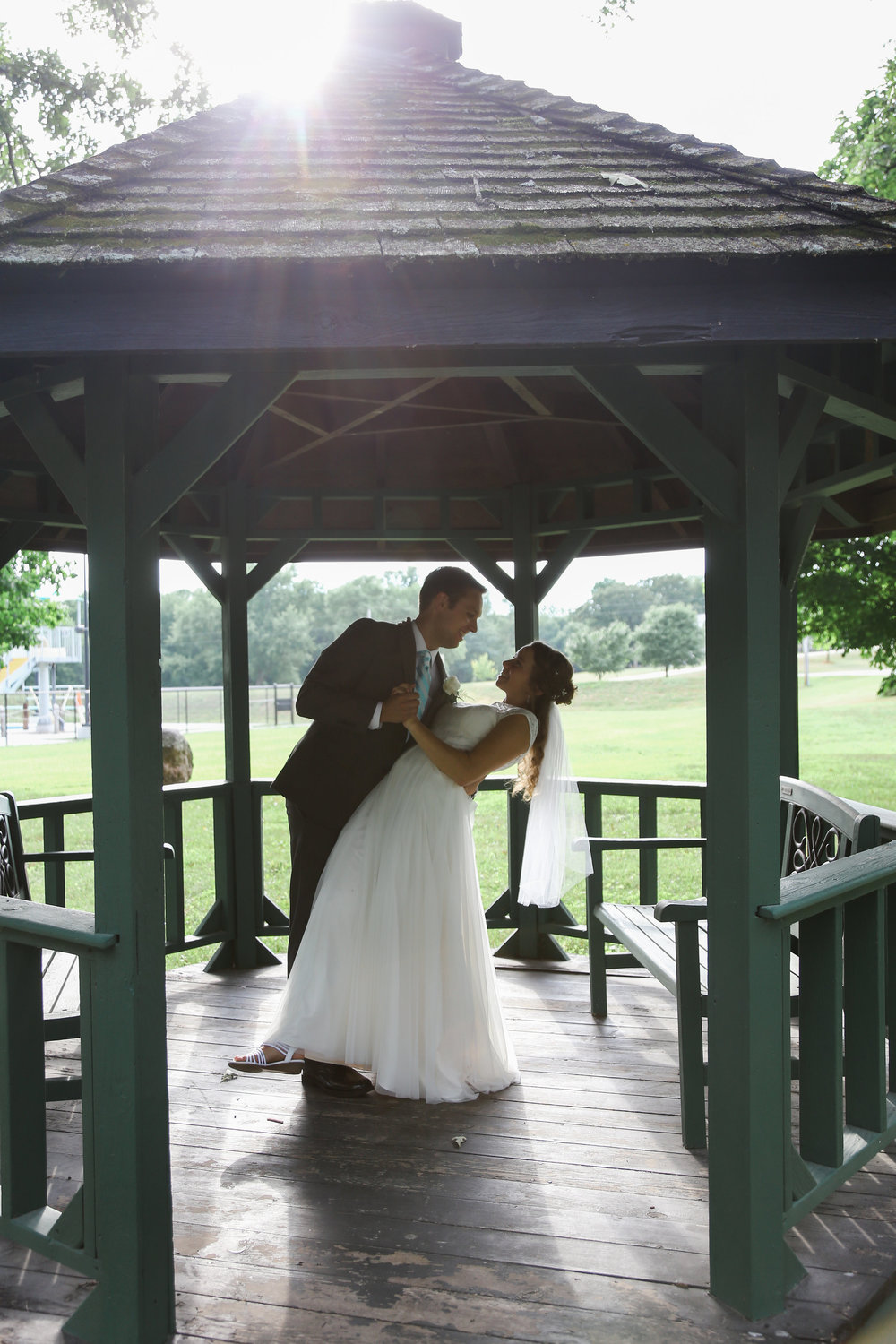 bride and groom gazebo pictures.jpg