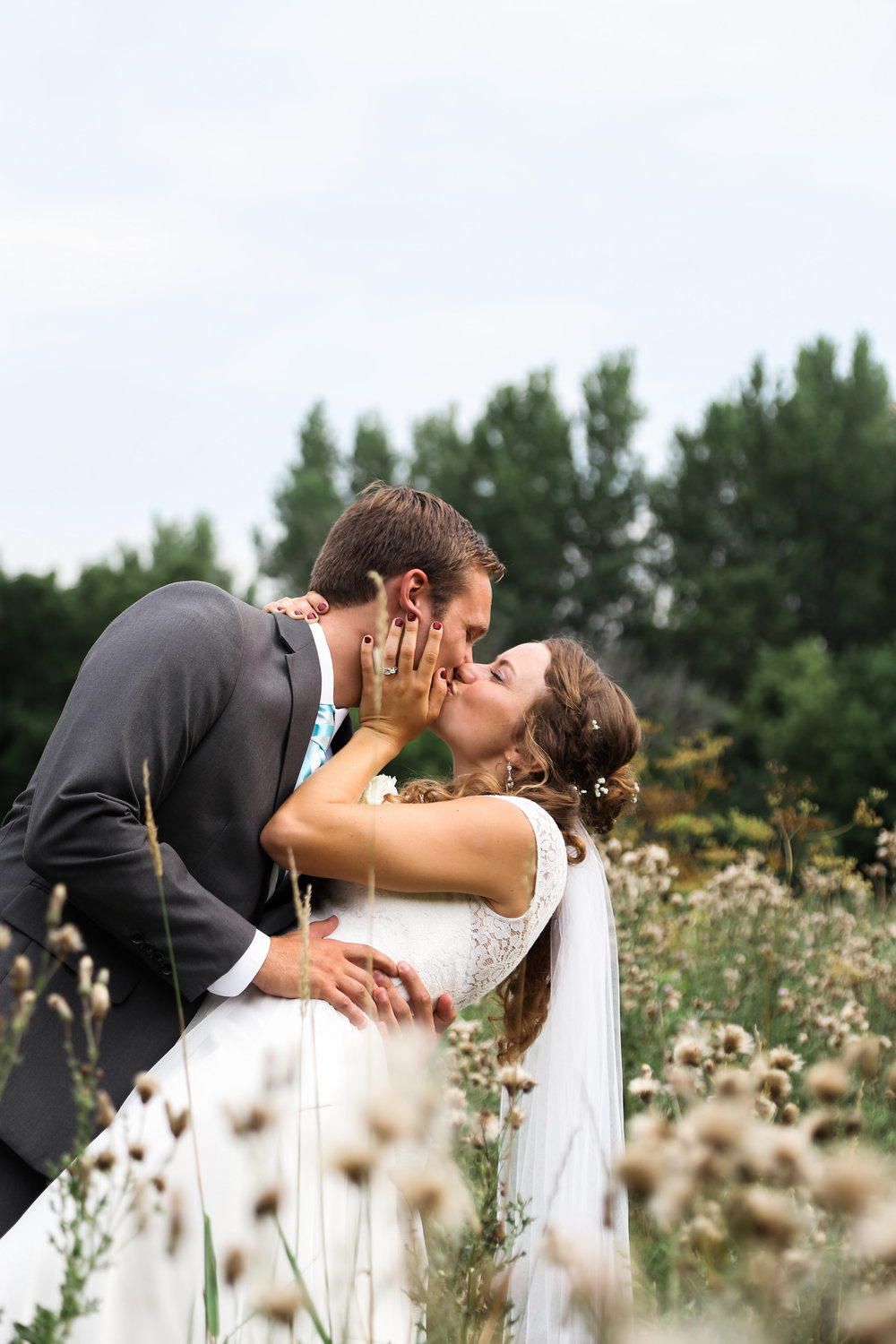 bride and groom photos country.jpg