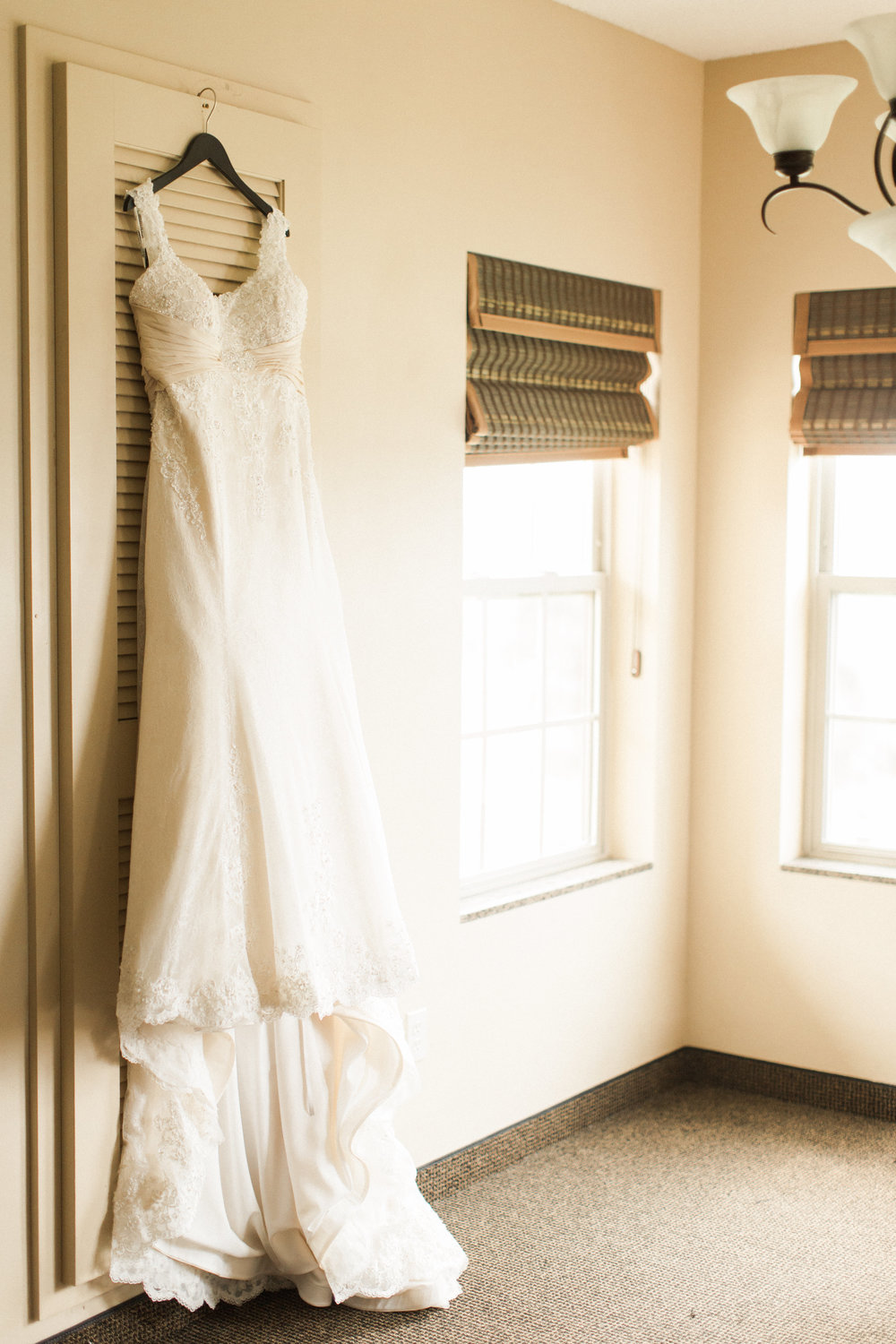 wedding-dress-on-hanger-picture