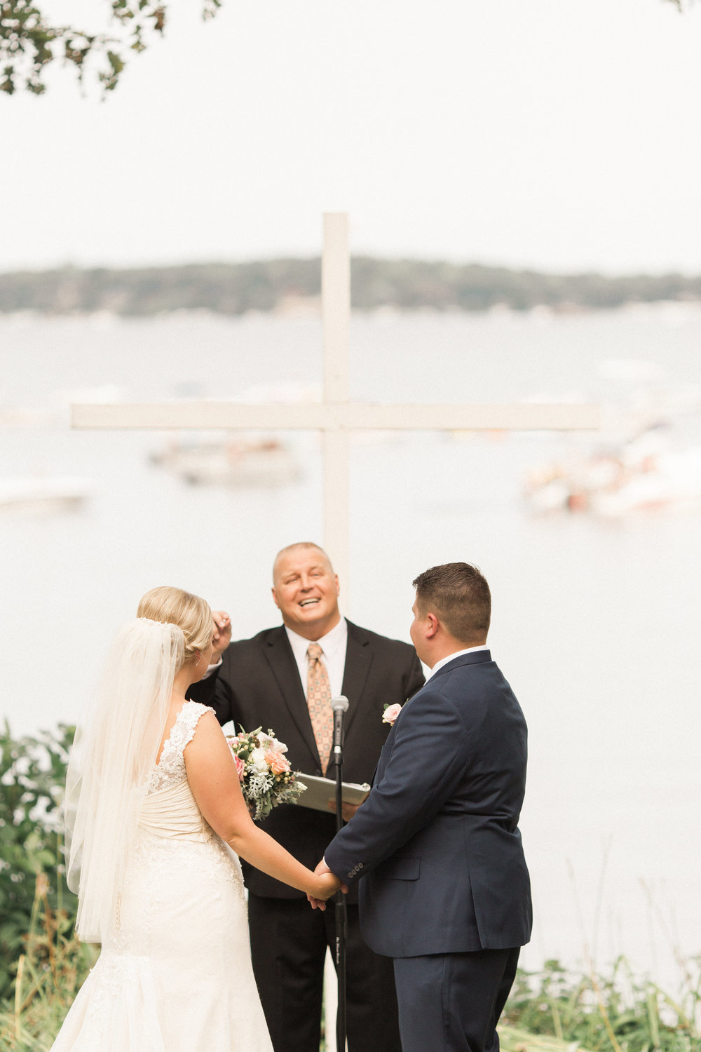 lakeside-wedding-ceremony-okoboji-iowa