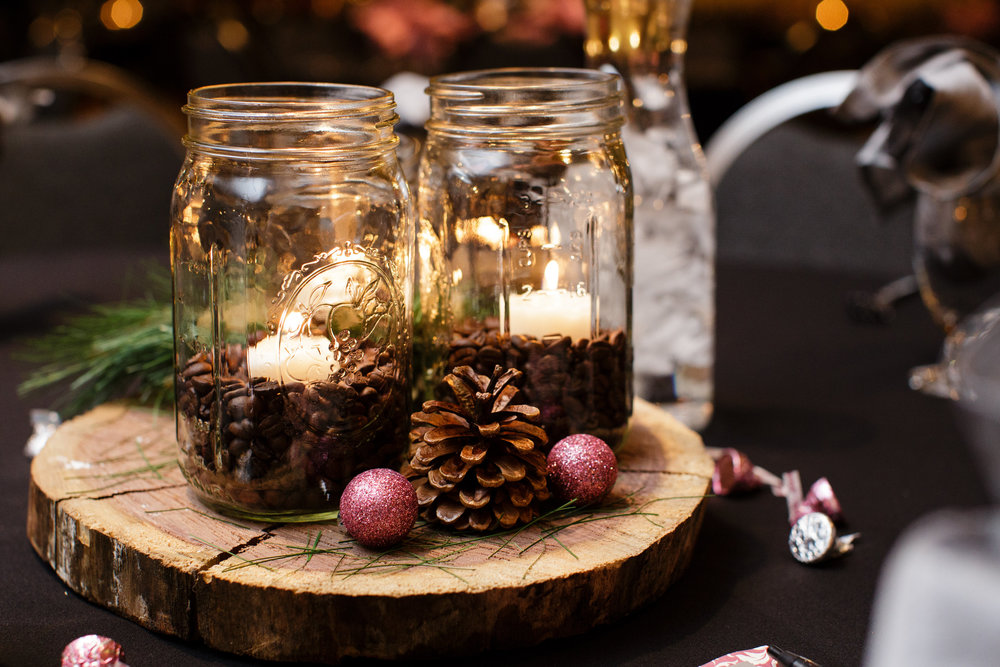 Tuscany-event-center-urbandale-iowa-winter-wedding-pine-cone-table-setting