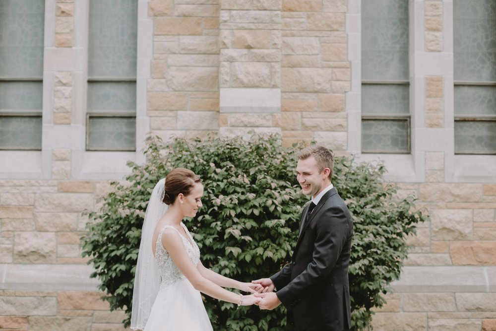iowa-venue-fort-dodge-church-ceremony-sleeveless-dress-first-look