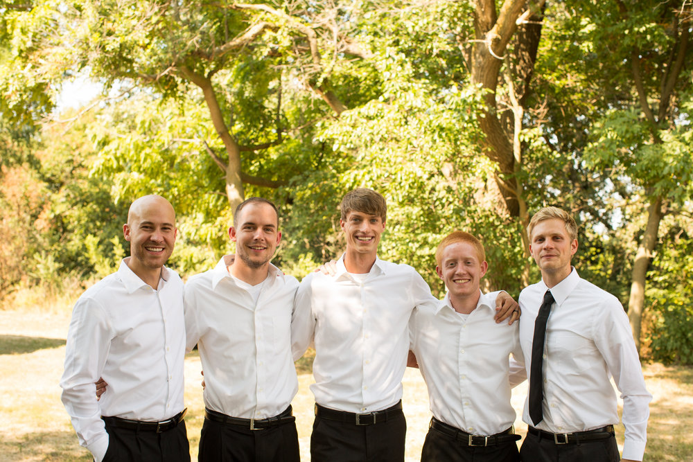 iowa-venue-fort-dodge-farm-outdoor-wedding-rustic-country-lace-groomsman-white-shirt-black-pants