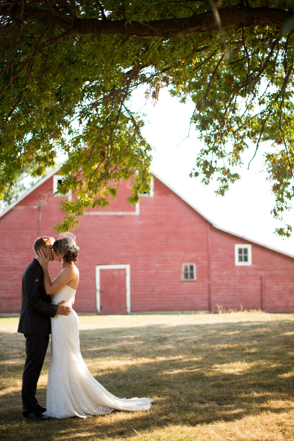 iowa-venue-fort-dodge-farm-outdoor-wedding-rustic-country-lace-strapless-dress-yellow-red-barn