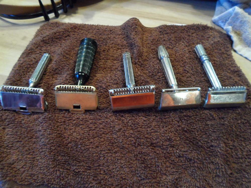 Single Edge Razors: Gem 1912, Gem Junior,EverReady Shovel Head 1924, Gem MicroMatic Bullet Tip (BullsEye), Gem MicroMatic Open Comb