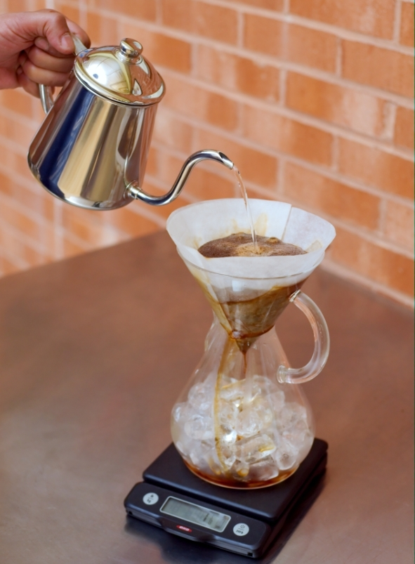 Japanese Iced Coffee in a Chemex