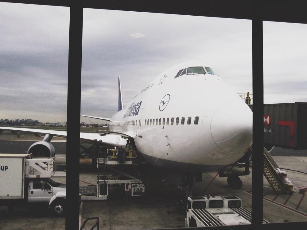 lufthansa-airplane-review.jpg