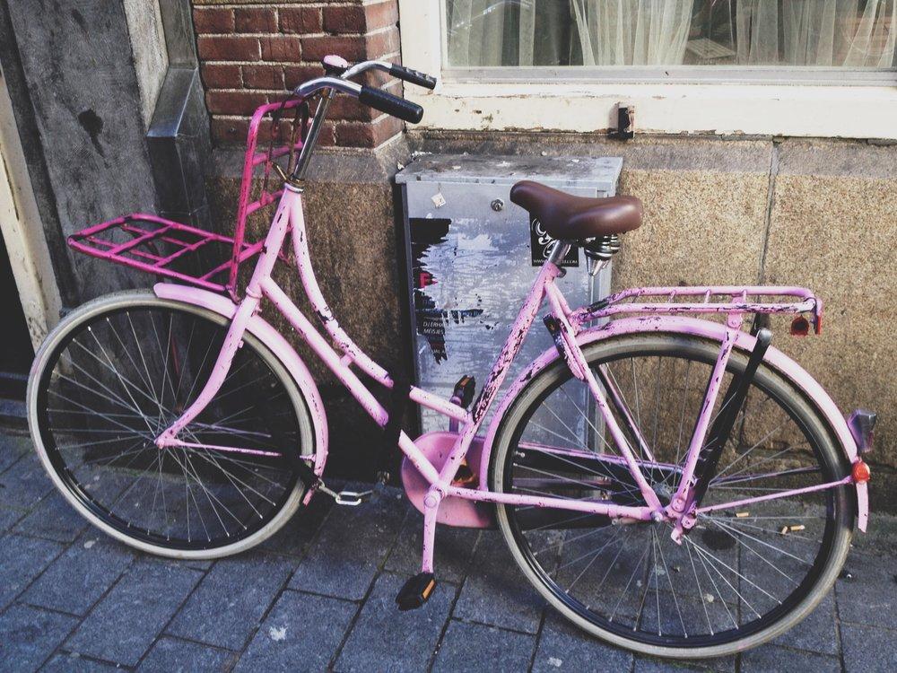 amsterdam-vélo-rose.JPG