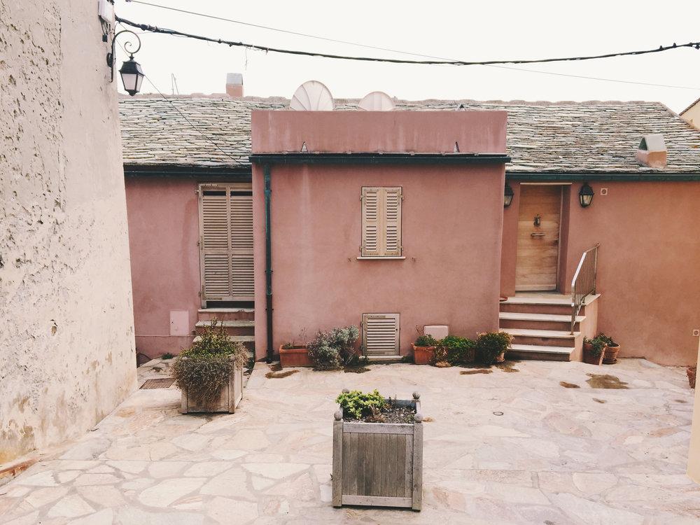 centuri-maison-rose-.JPG