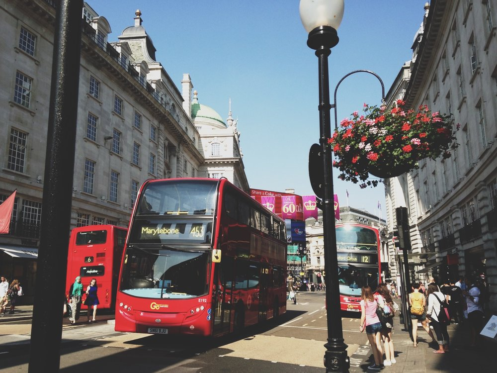 oxford-street-bus-rouges-londres.jpg