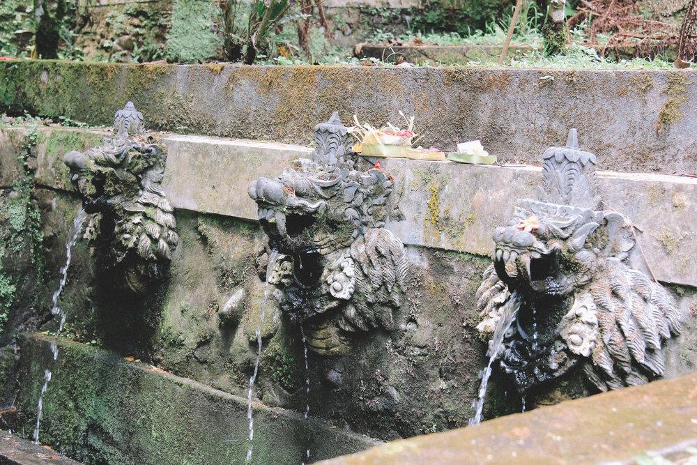 batukaru-bali-fontaines-onmyway.jpg
