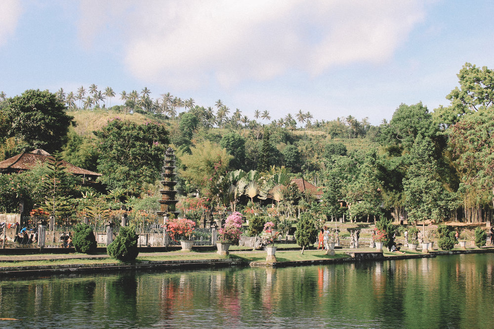 Tirtagangga-palais-aquatique-onmyway.jpg