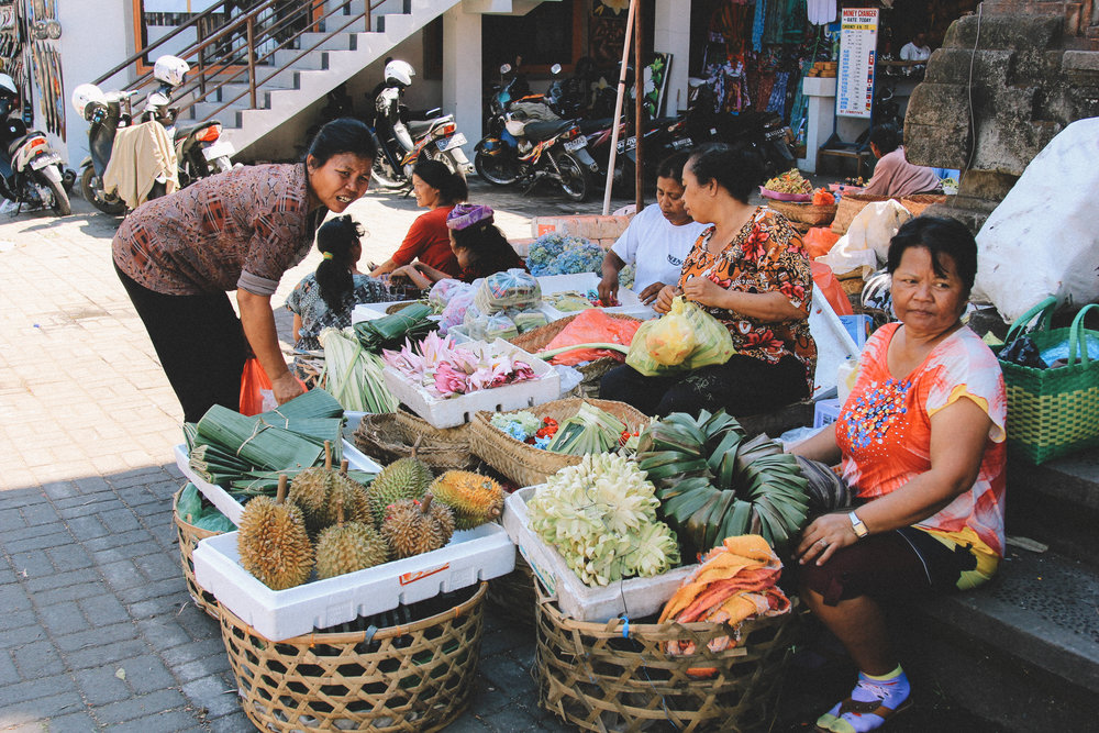 market-ubud-bali-onmyway.jpg