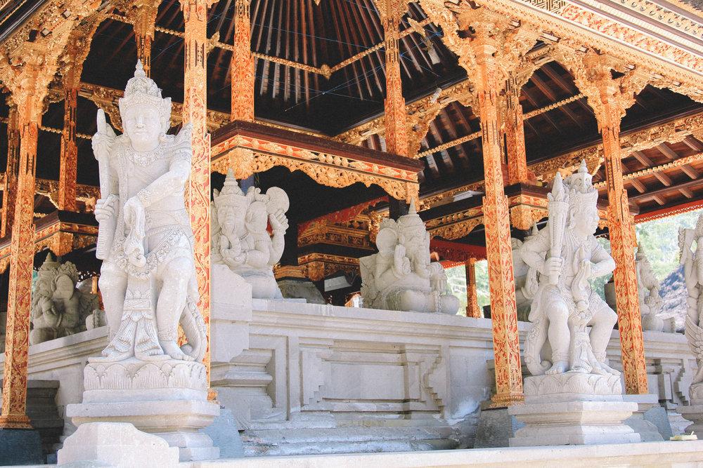 tirta-empul-temple-blog-onmyway-bali.jpg