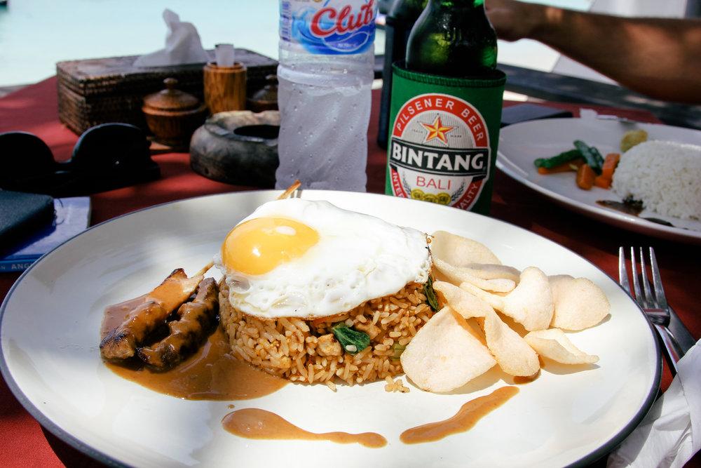 Mushroom-bay-nusa-lembongan-Bar & Bali Café.jpg